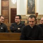 sacerdotes-jovenes-palacio1