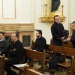 sacerdotes-jovenes-palacio2